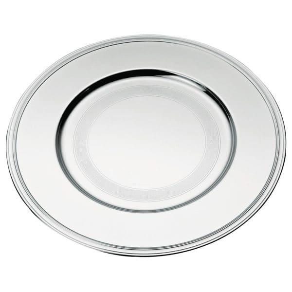 Albi Silver Plated Charger Presentation Plate recalls the elegant and straight lines and single nave of Albi Cathedral in the homonymous French town located between Toulouse and Bordeaux. The mirror polished Silver Under plate features delicate grooves along the outer rim. A remarkable Christofle Maison piece to give existing dinner services a new look by offering a simple yet very elegant frame.