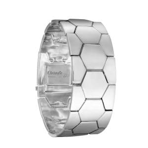 Code Royal Petit Sterling Silver articulated bracelet with the reoccurring hexagon print will move effortlessly, like a second skin, capturing the light with every flick of the wrist. The hidden clasp is incredibly secure and the bracelet very comfortable to wear on any occasion.