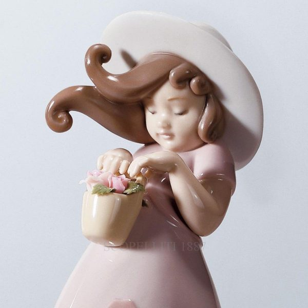 Lladro Little Rose With Gift Box.