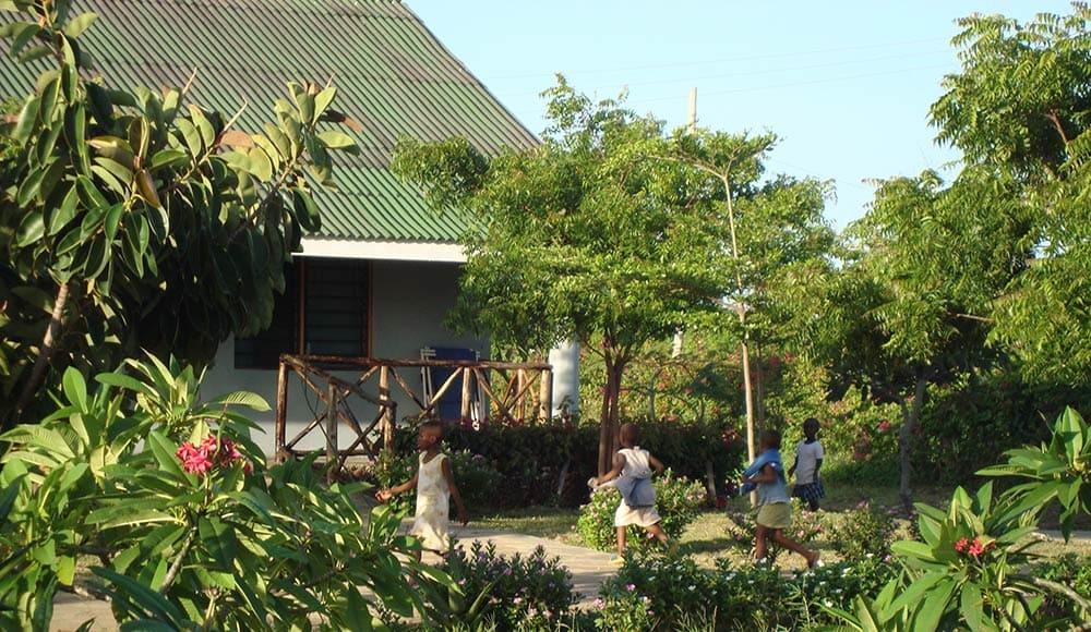 Scuola dell'orfanotrofio Children Center Mayungu adottata da SCOPELLITI 1887