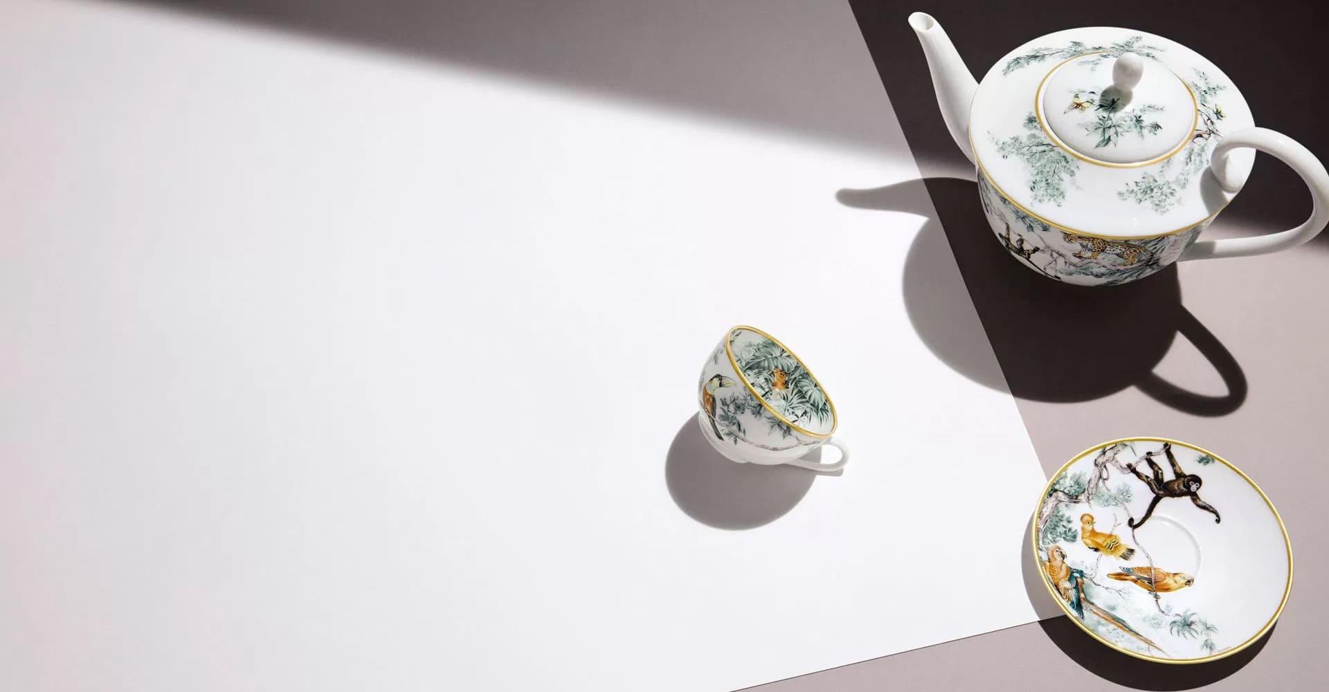Piatti in porcellana di Hermes carnets