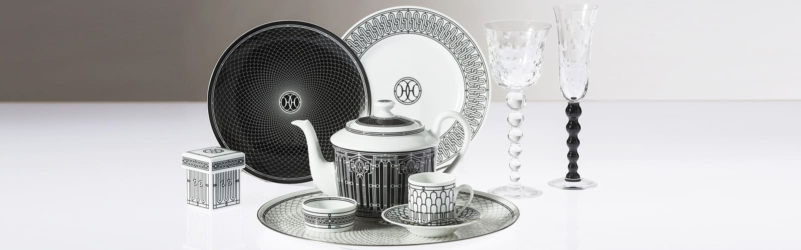 The contemporary dinnerware of Hermes