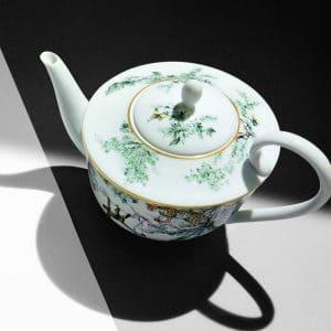 The tea set of Hermes porcelain