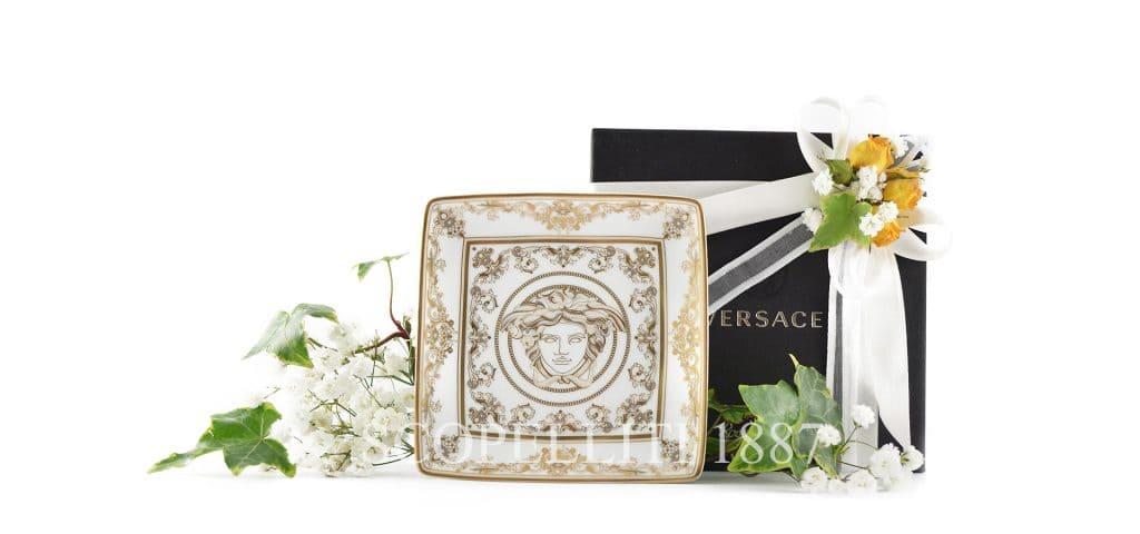 Le bomboniere Versace in porcellana in confezione