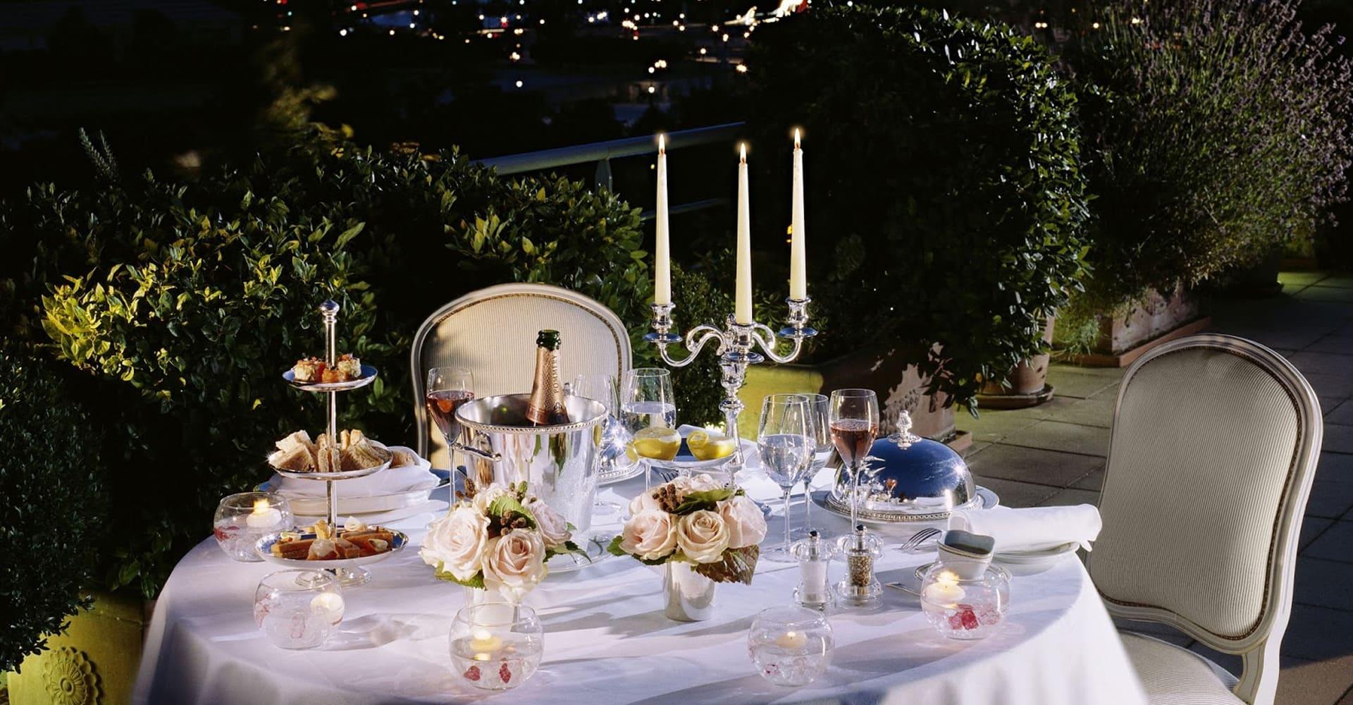 Tavola apparecchiata per liste nozze a Reggio Calabria