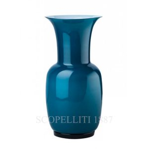 The vase of Venini Italia glass