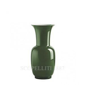Vaso di Venini opalino verde mela