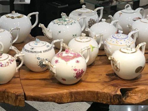 Degustazione del tè nelle tazze Herend